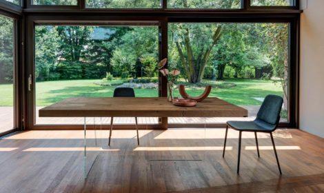 Söögilauad ja toolid