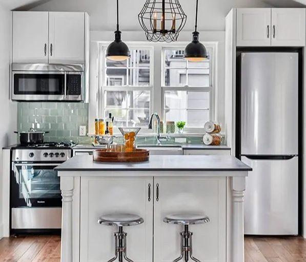 Kompaktne köök väikeses korteris