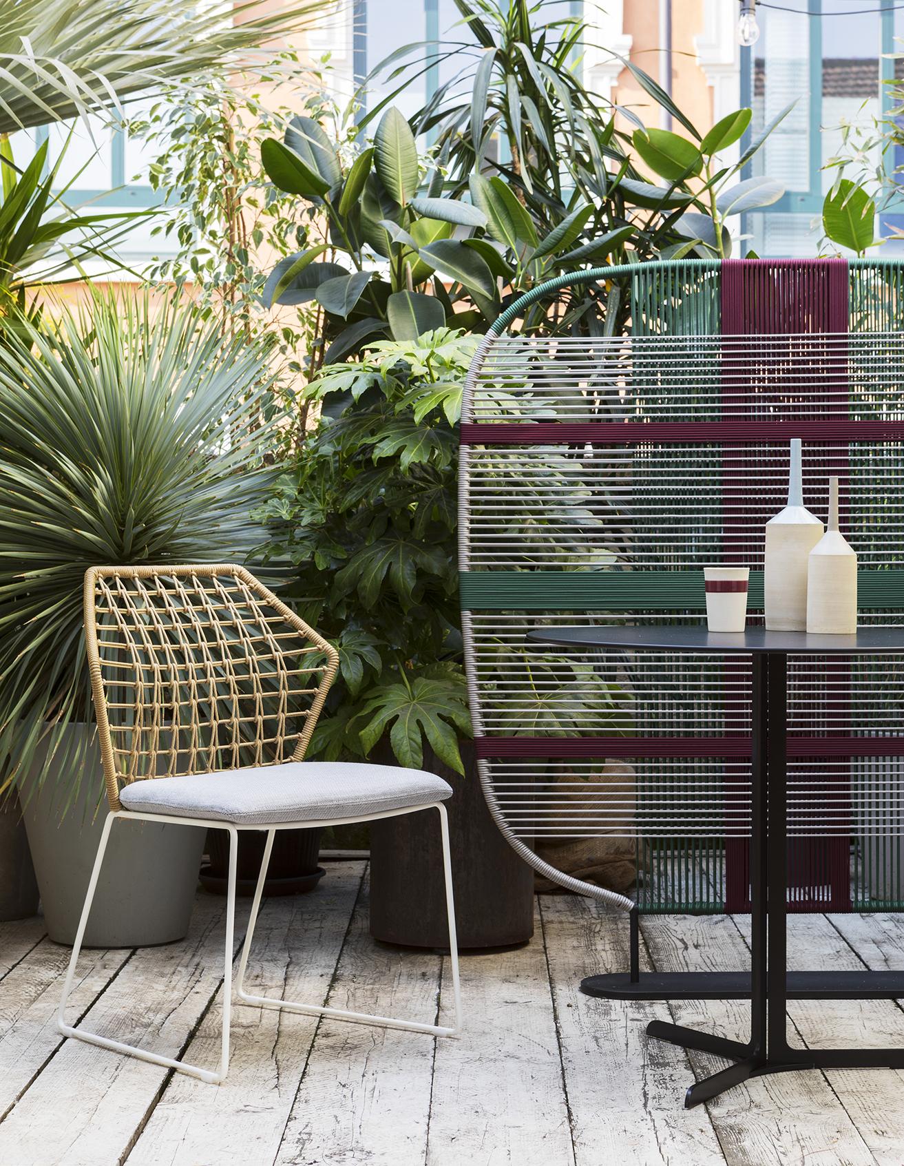 trendikas päikesevari terrassile või rõdule